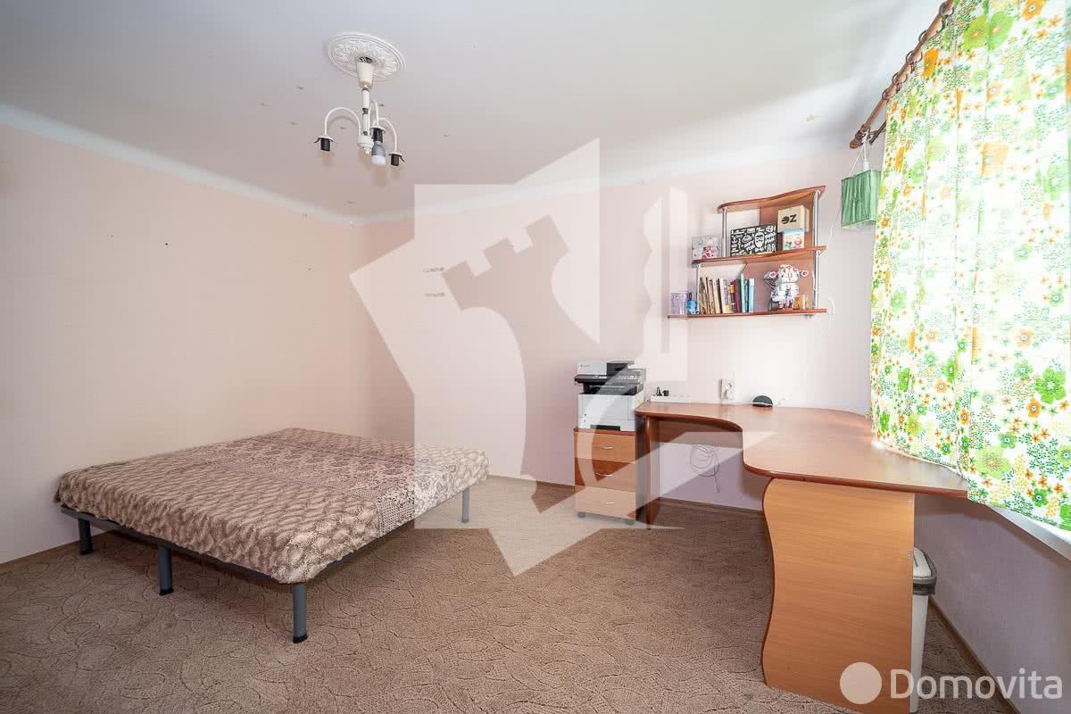 Купить 3-комнатную квартиру в Минске, ул. Рафиева, д. 11 - фото 4