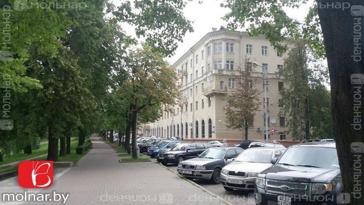 Купить 3-комнатную квартиру в Минске, ул. Коммунистическая, д. 8 - фото 1