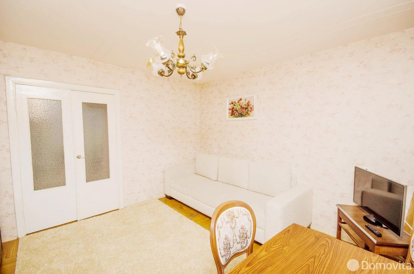 2-комнатная квартира на сутки в Минске ул. Немига, д. 10 - фото 3