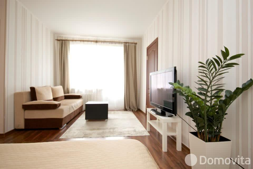 Аренда 2-комнатной квартиры на сутки в Минске ул. Романовская Слобода - фото 1
