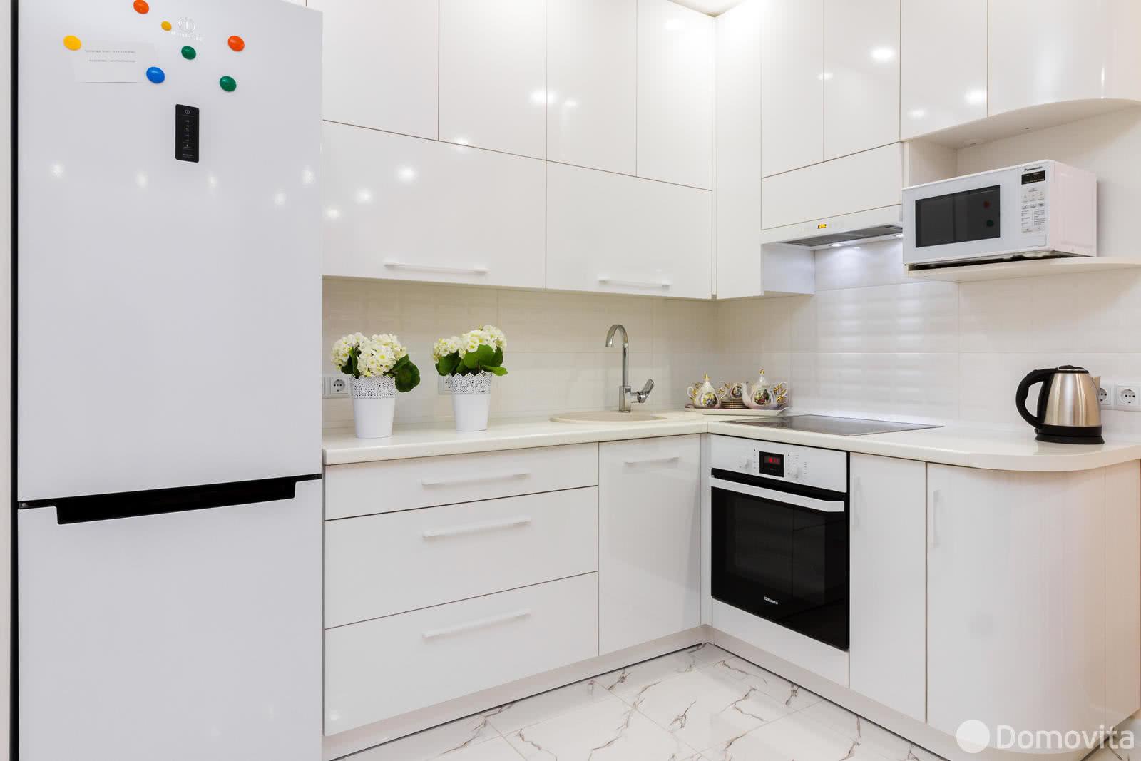 Аренда 2-комнатной квартиры на сутки в Минске, ул. Репина, д. 4 - фото 4