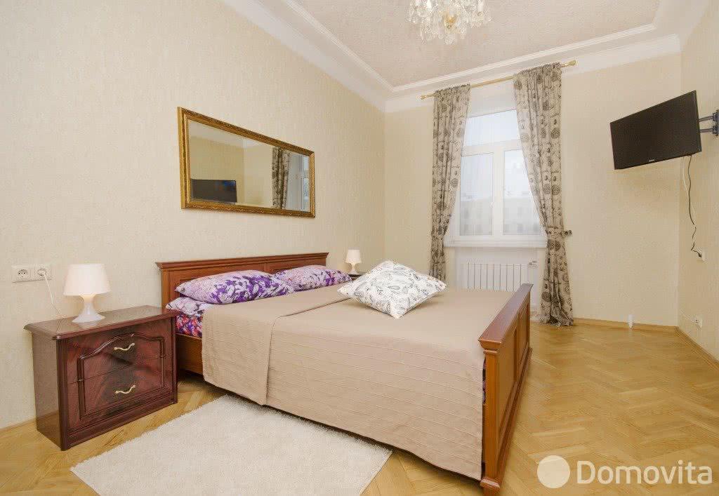 4-комнатная квартира на сутки в Минске, ул. Володарского, д. 18 - фото 1