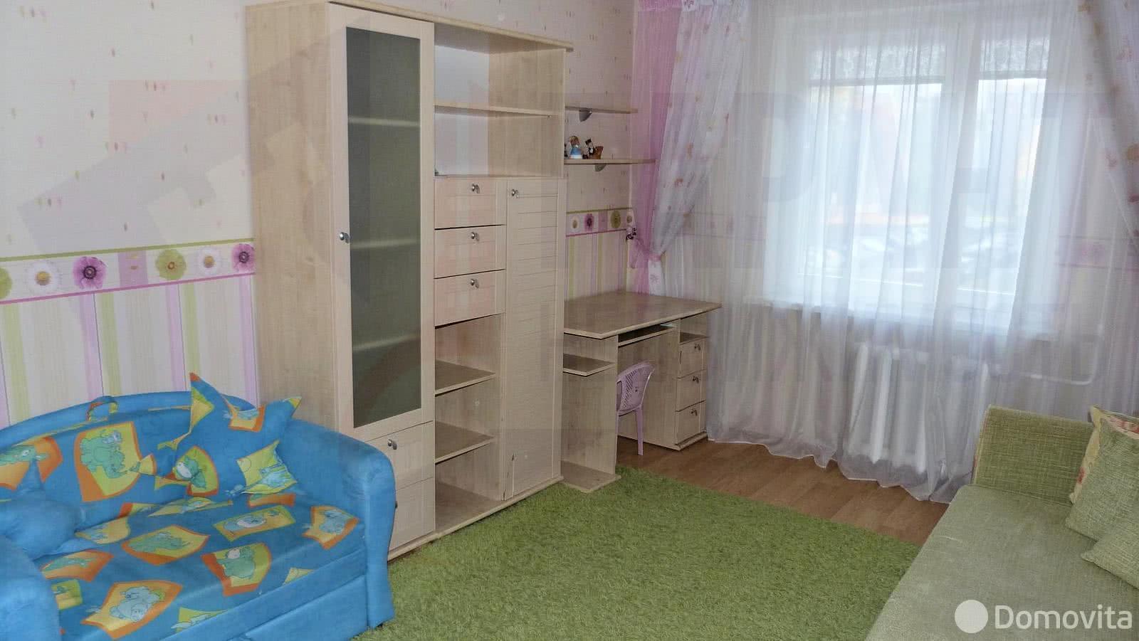Снять 3-комнатную квартиру в Минске, ул. Левкова, д. 19 - фото 1
